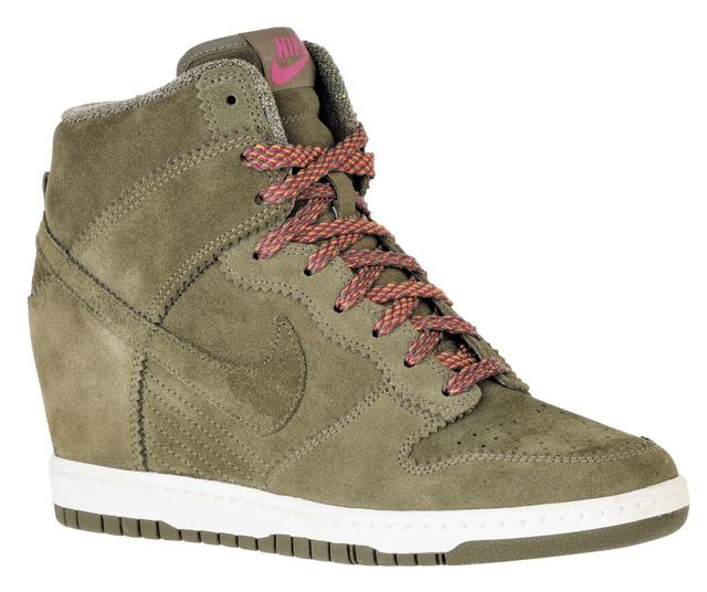 quality design ef72e e9ac8 Les deux modèles de Nike Dunk Sky High seront vendus ...