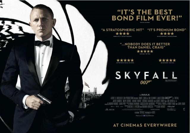 Après un Casino royale qui laissait une impression très mitigée et un  mauvais Quantum of Solace voici le retour de l agent Daniel Craig... euh je  veux dire ... f1fb8d1bde2