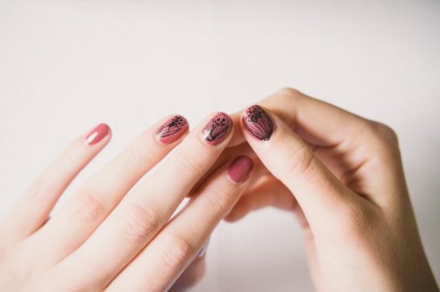 Chanel Corpus Délit Délits Nail manucure nail art tatouage tatouage ...
