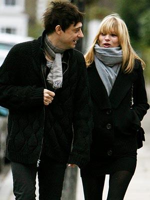 street style écharpe Kate Moss