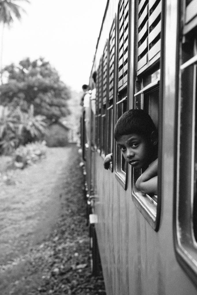 http://www.trendymood.com/wp-content/uploads/2015/01/Sri-Lanka-Carte-Postale1-683x1024.jpg