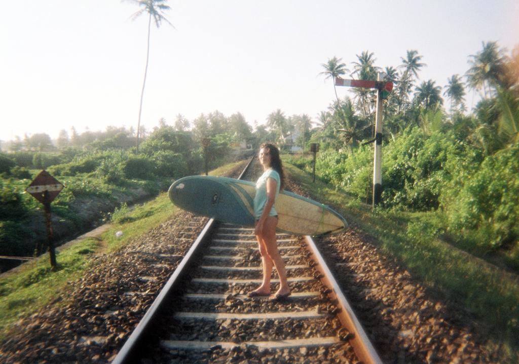 http://www.trendymood.com/wp-content/uploads/2015/03/Surf-Sri-Lanka.jpg