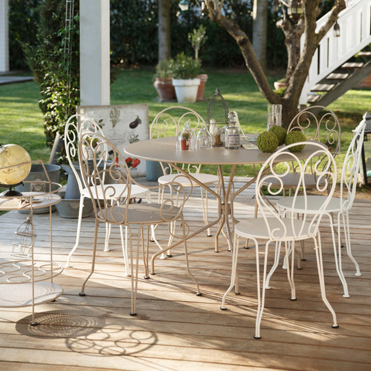 Fermob de la d co de jardin en m tal recycl trendy mood for Decoration jardin en metal