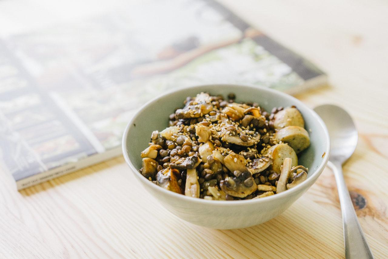 http://www.trendymood.com/wp-content/uploads/2017/04/Salade-chaude-de-lentilles-au-tofu-et-champignons-2-1280x853.jpg