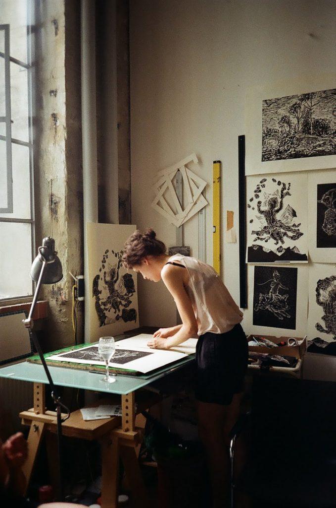 http://www.trendymood.com/wp-content/uploads/2017/05/Travailler-sereinement-Atelier-dartiste-679x1024.jpg