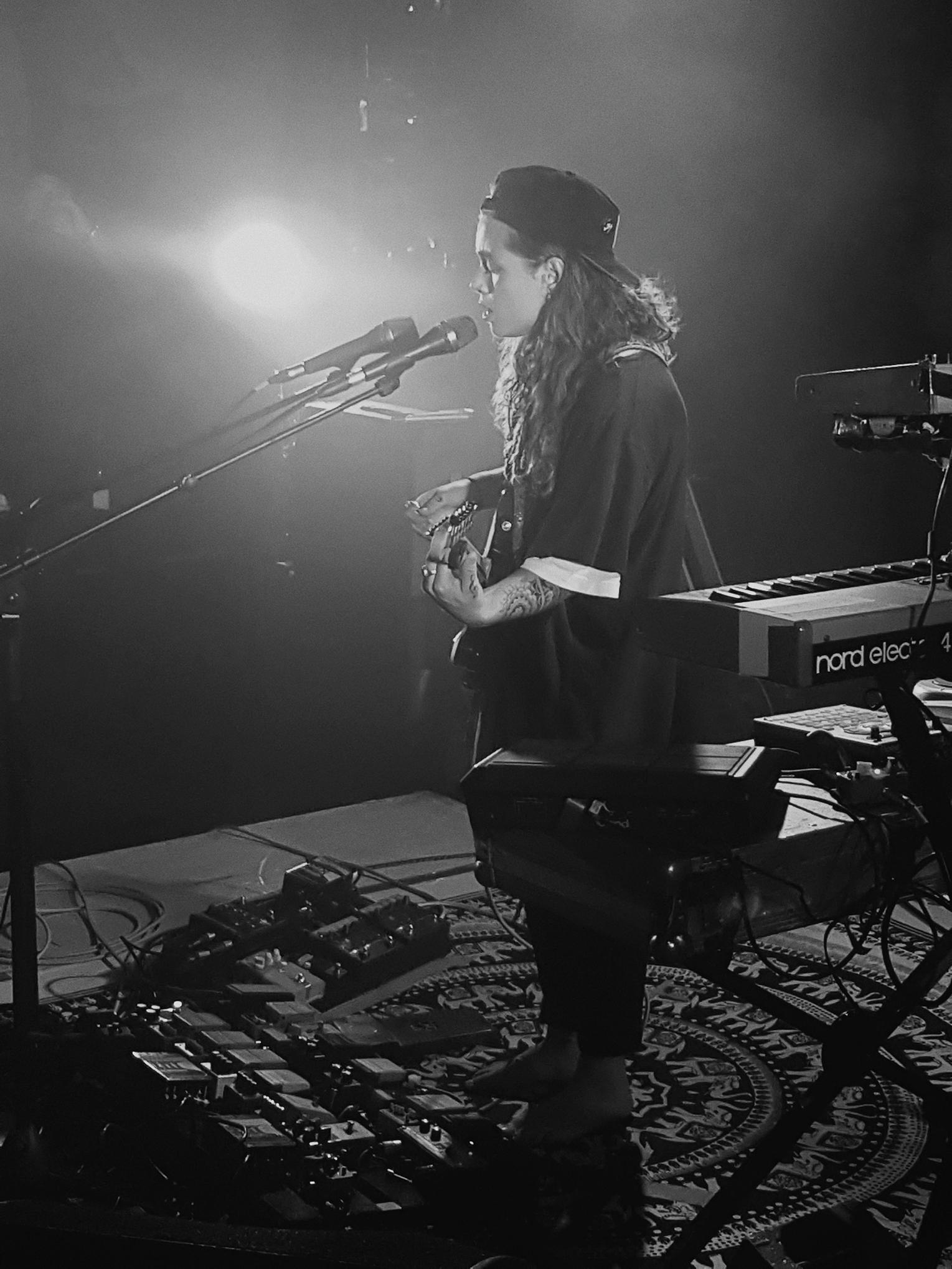 Tash Sultana en concert à Paris, La Maroquinerie