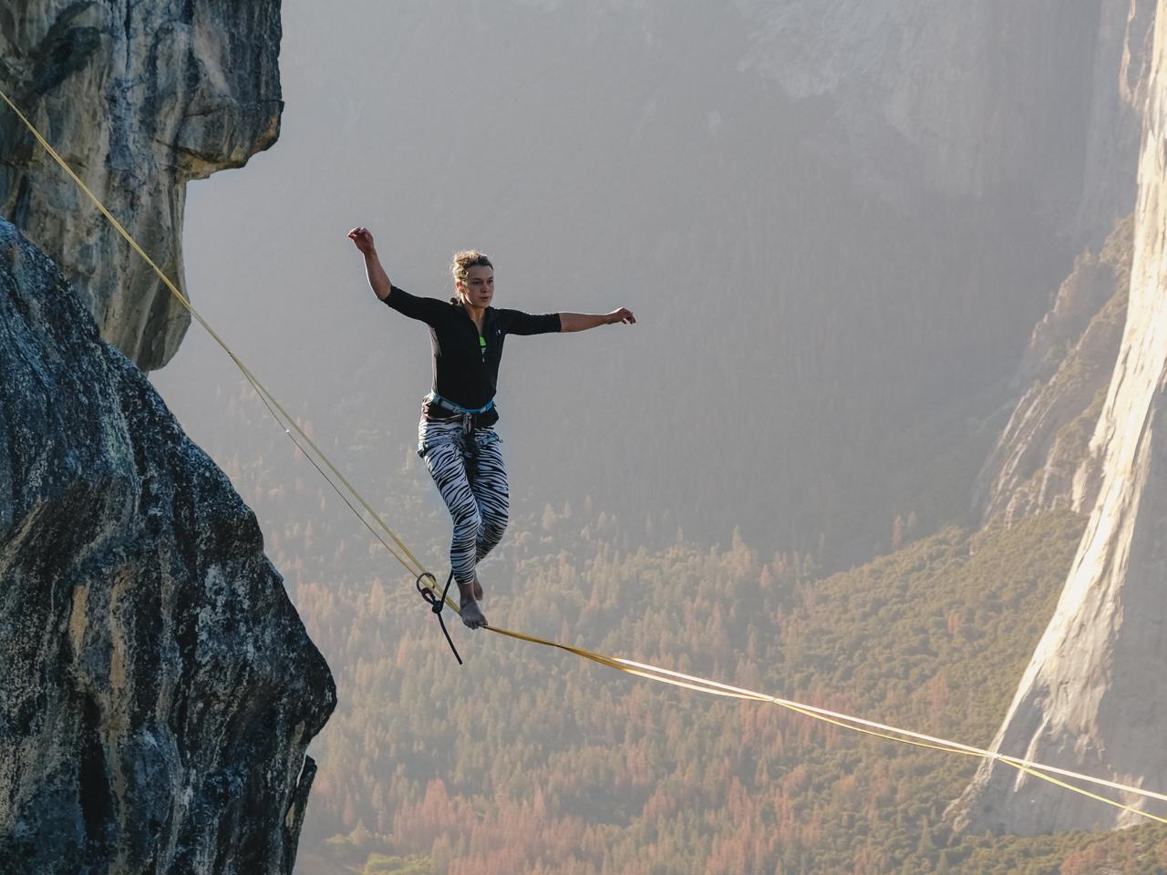 http://www.trendymood.com/wp-content/uploads/2017/11/Slackline-Yosemite-1280x960.png