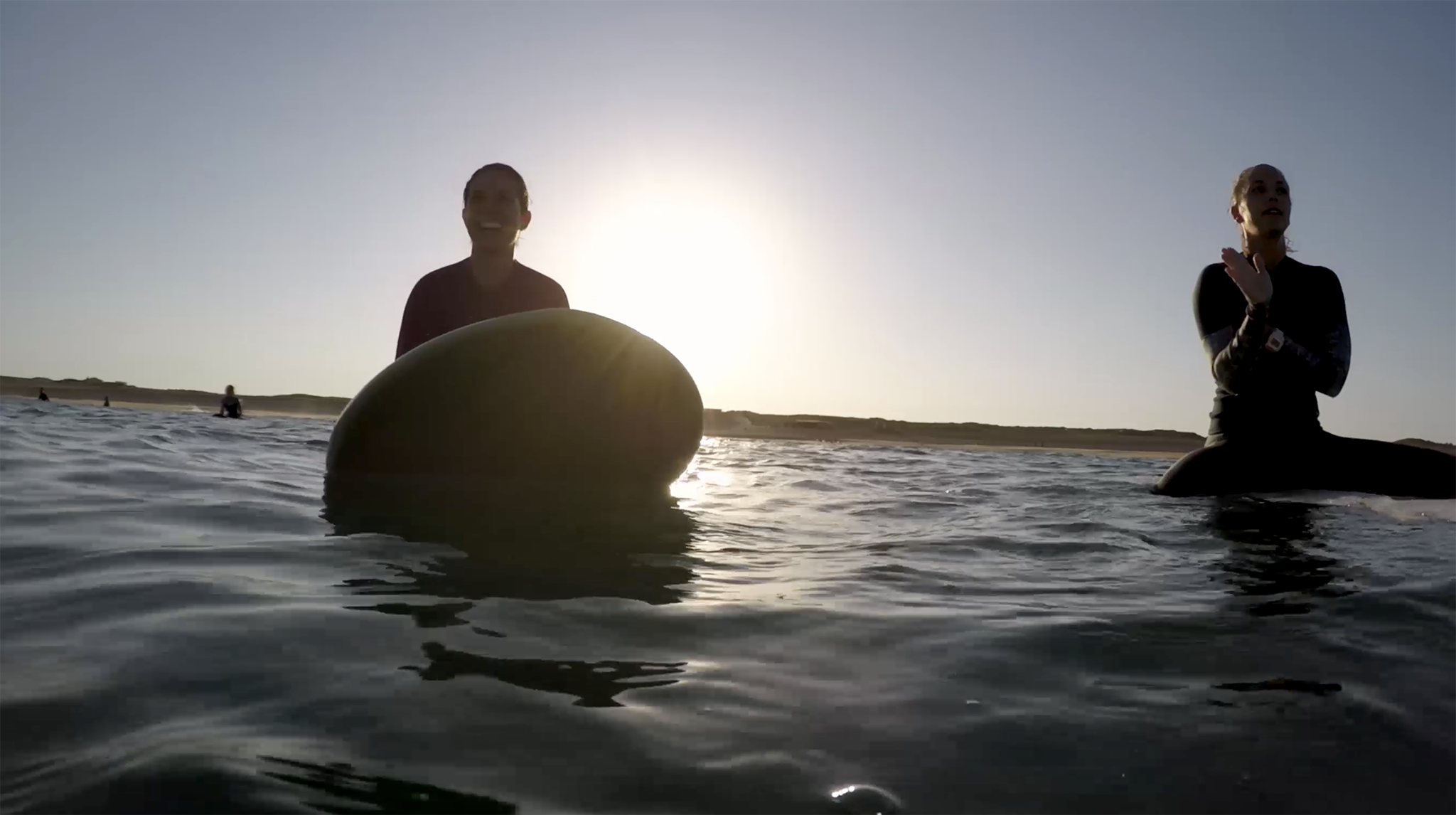 Summer never ends - Film de surf GoPro - Julie et Noémi