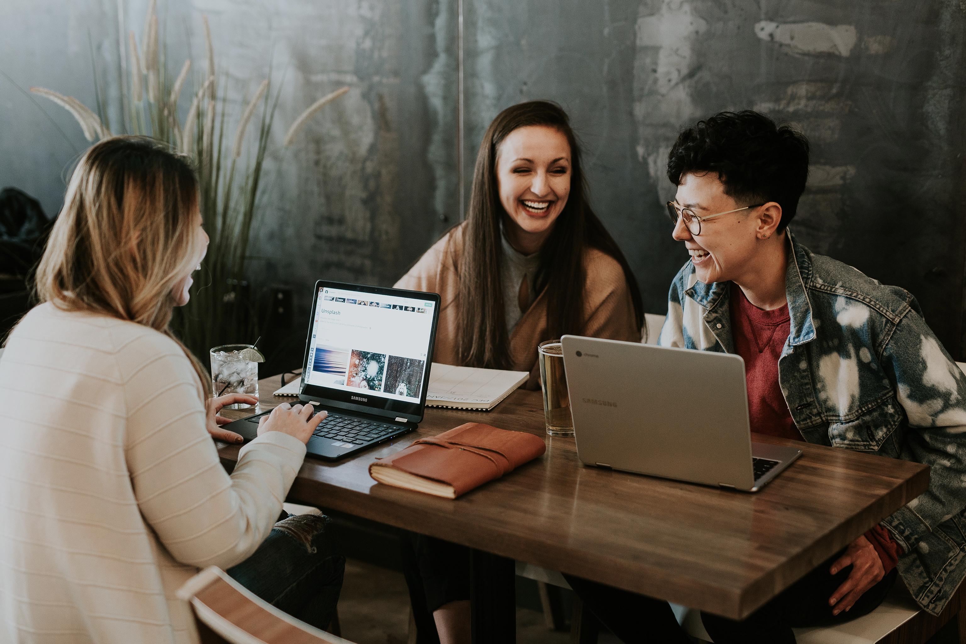 Happy job - Slow Business - 10 conseils pour intégrer la slow life au bureau - Trendy Mood