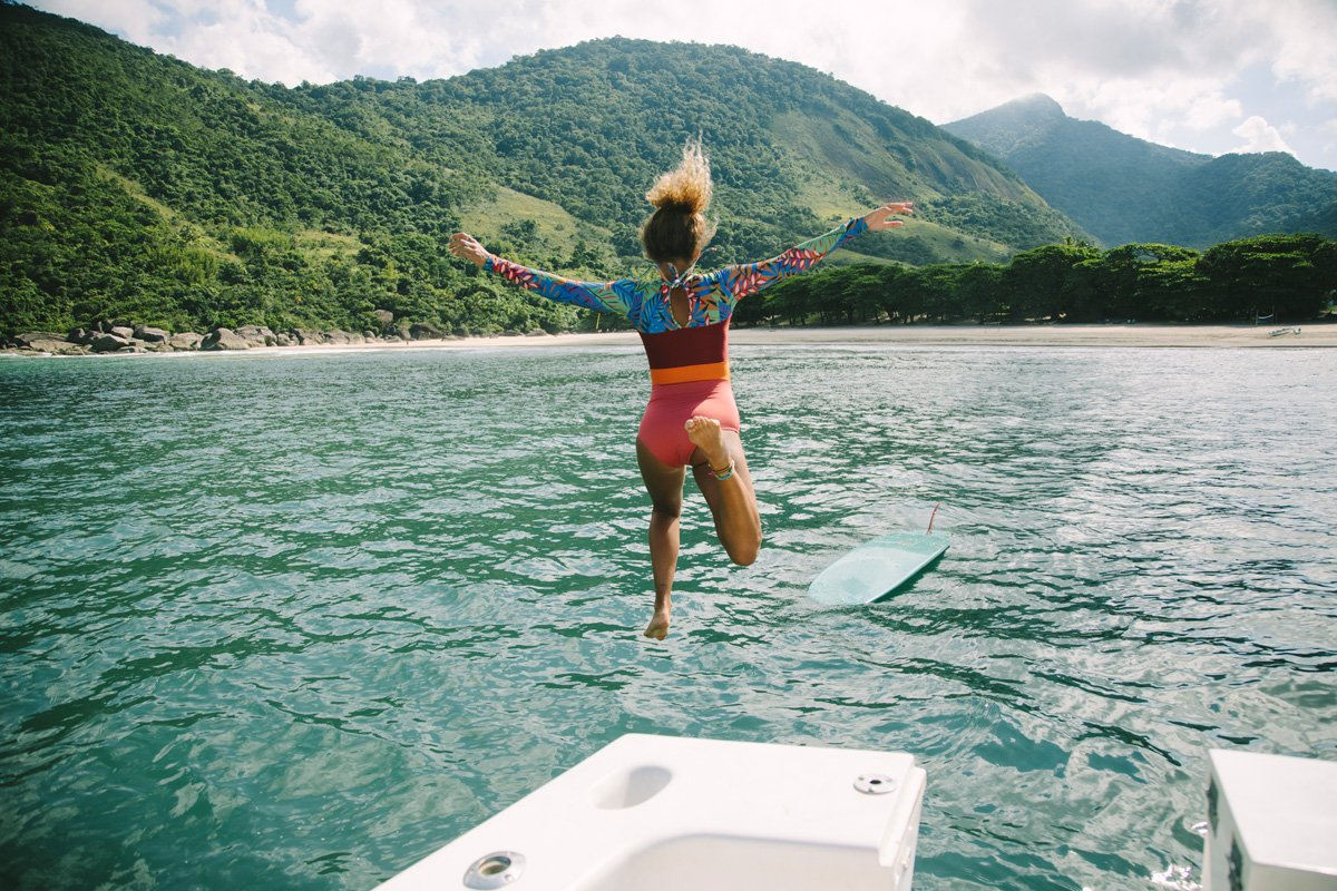 Maillots de bain et combinaisons pour surfer cet été